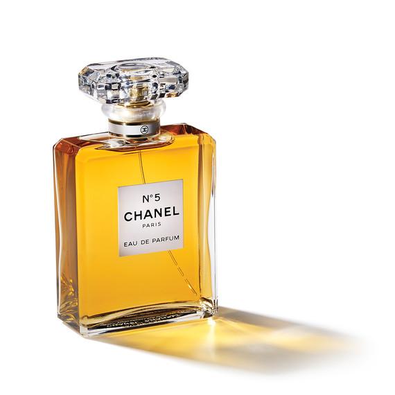 beauty-perfume-chanel-697-d112319.jpg