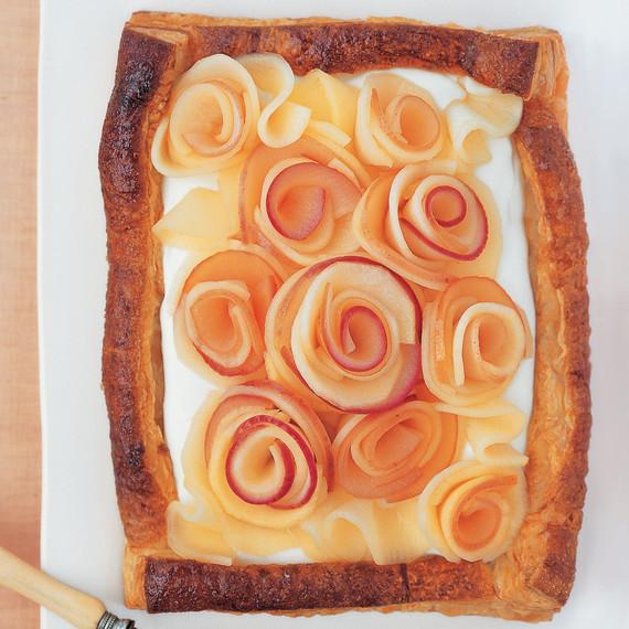 buttermilk-cream-tart-apple-roses.jpg