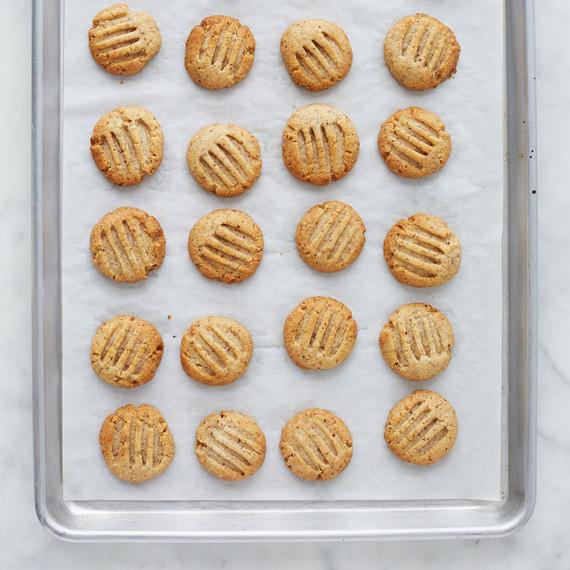 hazelnut-cookies-026-vert-d113085.jpg