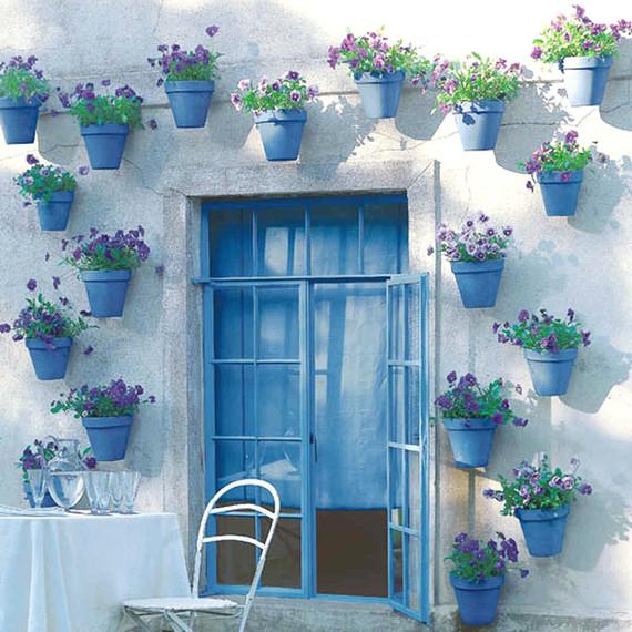 landscaping trends blue pots statement