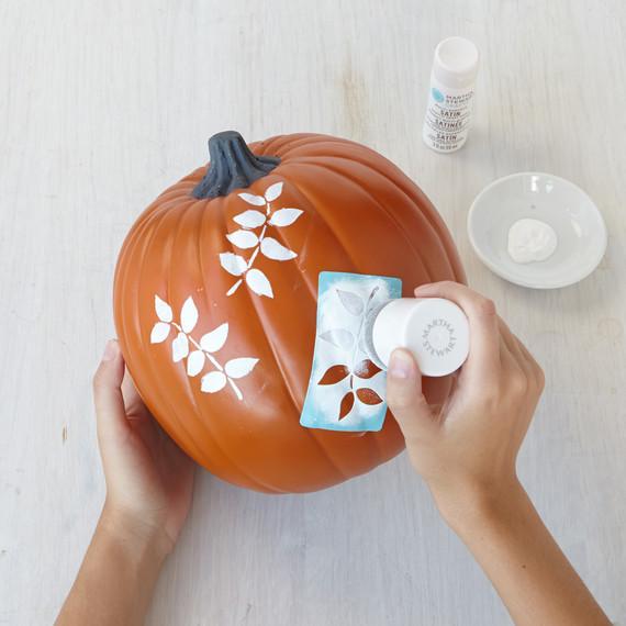 mscrafts-painted-leaves-step1-1014.jpg
