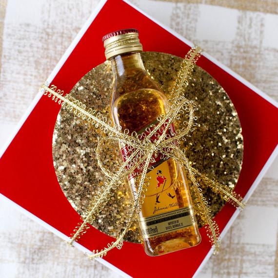 giftwrappying-coasters-whiskey-1216.jpg (skyword:364503)