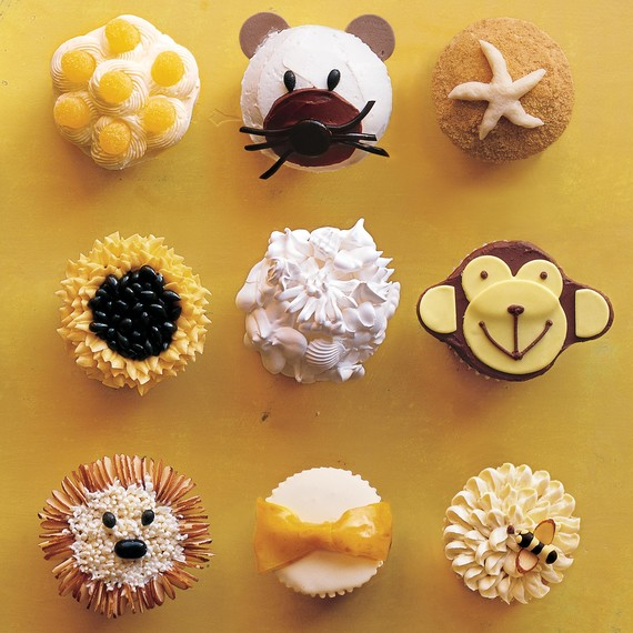 assorted-cupcakes-toppings-mla104524