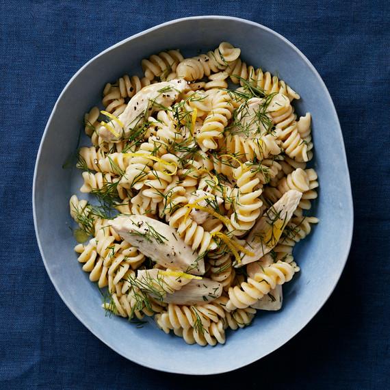 greek-chicken-one-pan-pasta-102797787.jpg