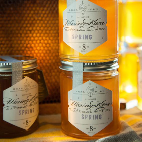 beekeeping-lessons-waxing-kara-05-0723.jpg