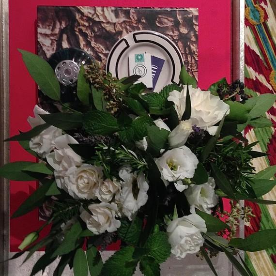 entertainingessentials_flowers_v1_0215
