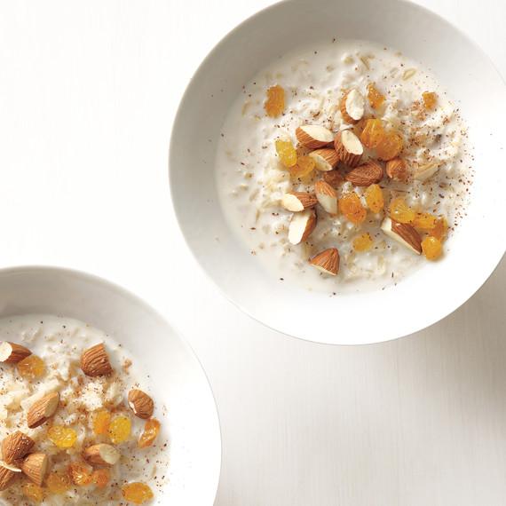 hot-rice-cereal-nuts-raisins-med108164.jpg