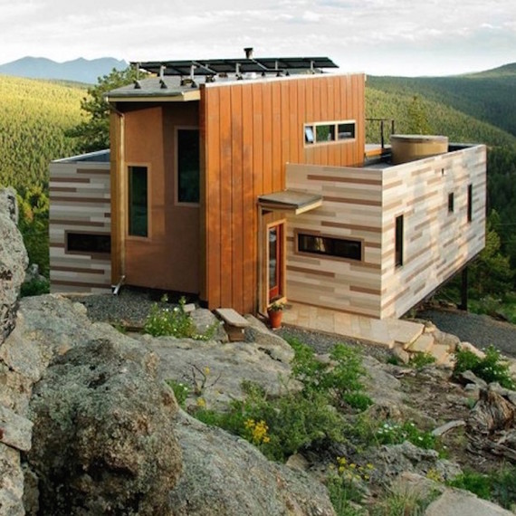 shipping-container-house-colorado-1216.jpg (skyword:376673)