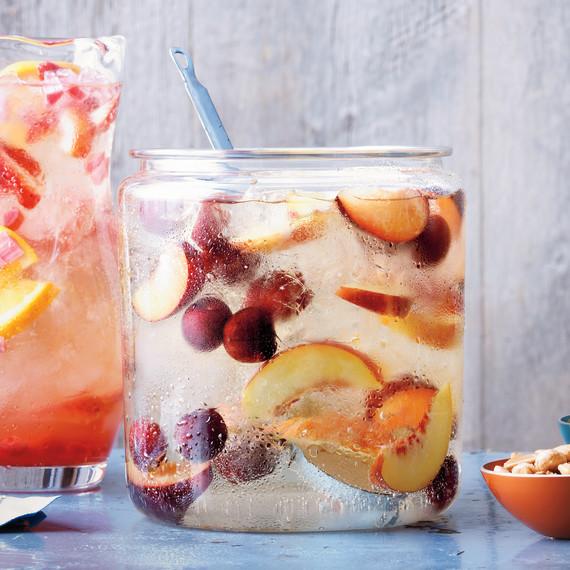 stonefruit-sangria-0711med10722-par002.jpg