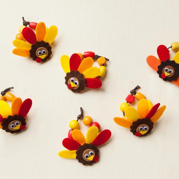 thanksgiving-napkin-rings-step7-tm-1114.jpg