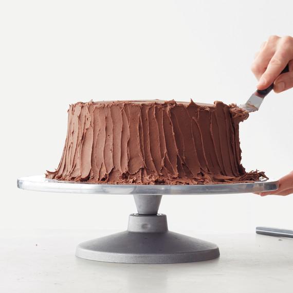 cake-spreading-icing-vertical-215-d111594.jpg