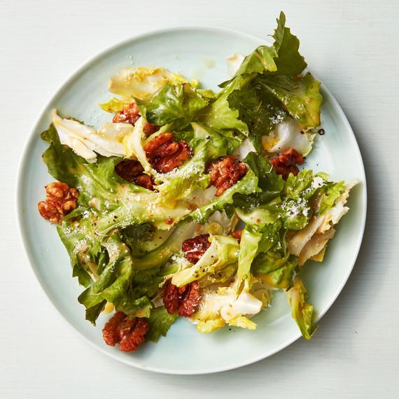 escarole walnut crouton salad