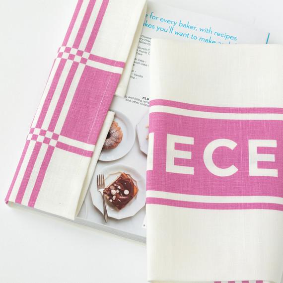 studiopatro-cake-towel-wrap-4-am-0314.jpg