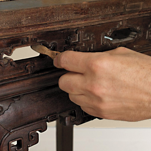 how-to-restore-furniture-s111907-154-step-4.jpg