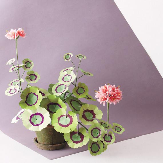 exquisite-book-of-paper-flowers-p156-ms111099.jpg