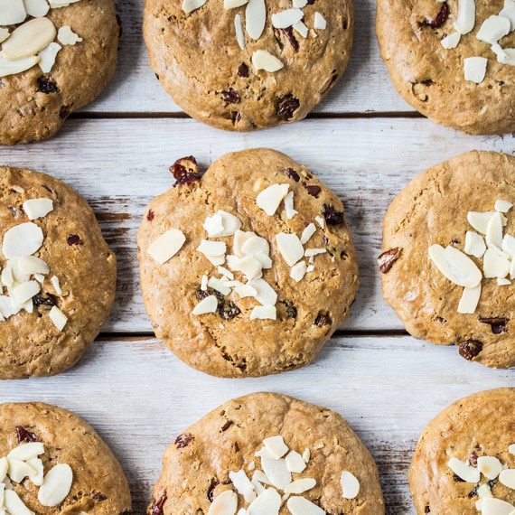 gluten-free-fruit-and-nut-cookie-09-16-2015-3.jpg (skyword:185667)