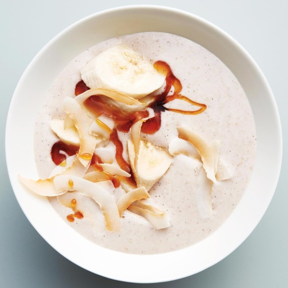 oats-coconut-banana-smoothie-bowl-015-d112672.jpg