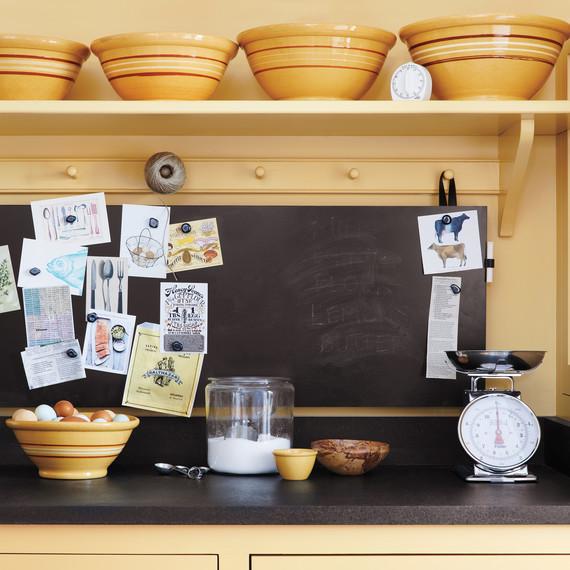 kitchen-magnetic-chalkboard-opener-004-d111004.jpg