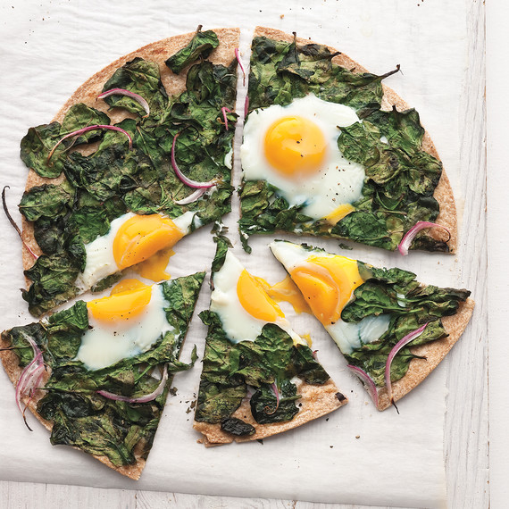 sunny-side-up-egg-baby-spinach-flatbread-mbd108463.jpg