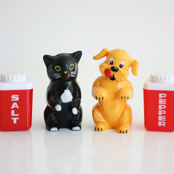 vintage salt and pepper shakers cat and dog