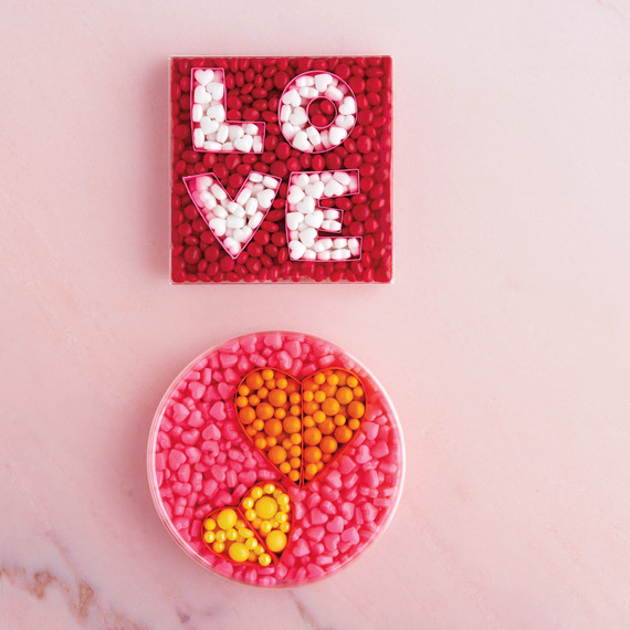 valentines-day-05-transparent-candy-boxes-0391-d111638.jpg