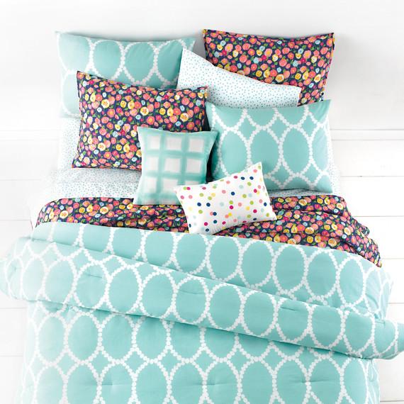 msmacys-whim-mirrormirror-comforter-packaging-mrkt-0115.jpg