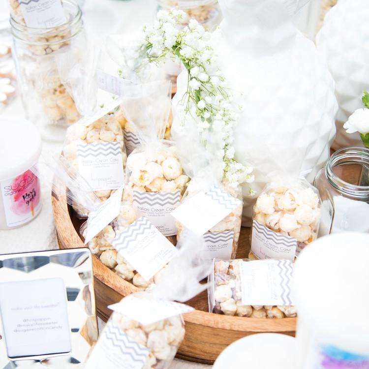 blooming en blanc party sweets