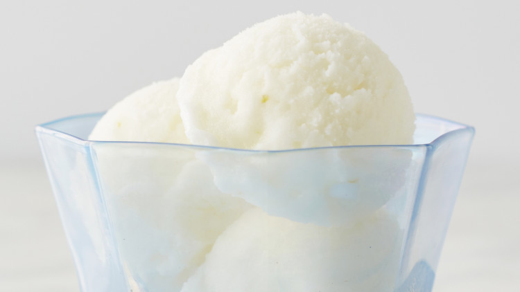 buttermilk-ice-cream-168-vert-d113085.jpg