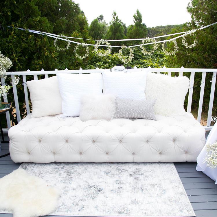 blooming en blanc party outdoor seating
