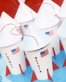 DIY Spaceship Favor Cups.