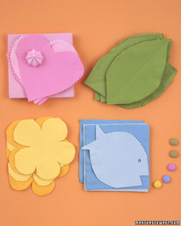 Tutorial for Lovely Napkins with Templates.