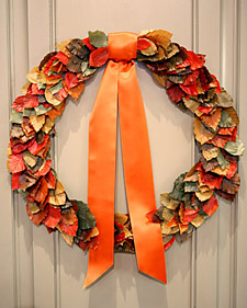 autumnal wreath step by step diy craft how to s and instructions martha stewart. Black Bedroom Furniture Sets. Home Design Ideas