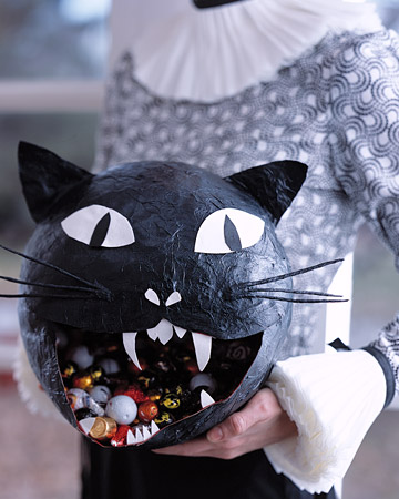 Paper caper halloween party crafts martha stewart for Papier mache decorations