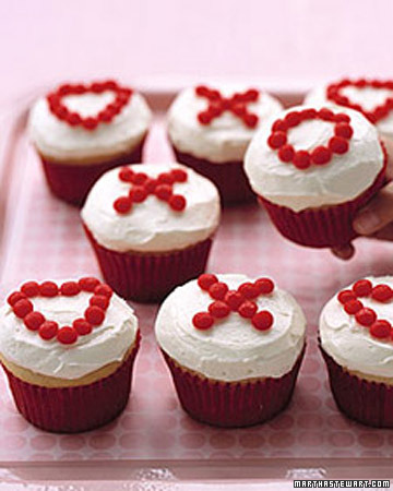 Valentines Cupcakes on Valentine S Day  Valentine S Day Cupcake Recipes   Martha Stewart