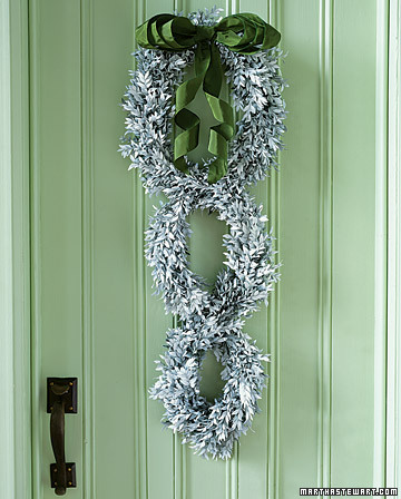bows for everything step by step diy craft how to s and instructions martha stewart. Black Bedroom Furniture Sets. Home Design Ideas