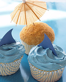0306_kids_sharkcupcake.jpg