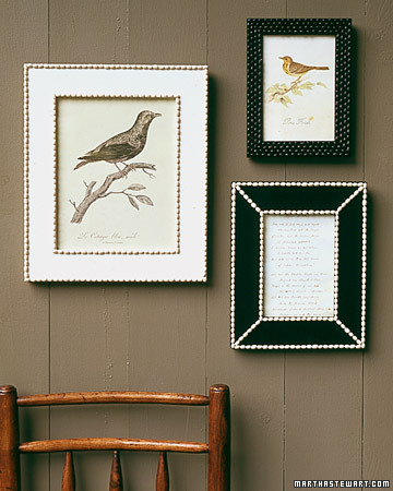 http://www.marthastewart.com/sites/files/marthastewart.com/images/content/pub/ms_living/2000Q4/a98110_1000_bearframes_xl.jpg