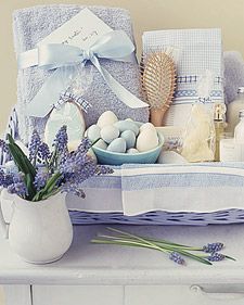 la98153_0400_blue_basket.jpg