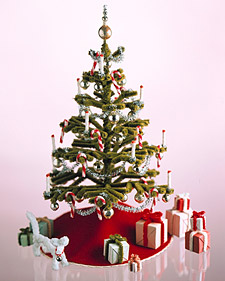 Pipe Cleaner Decorations: Christmas Tree | Martha Stewart