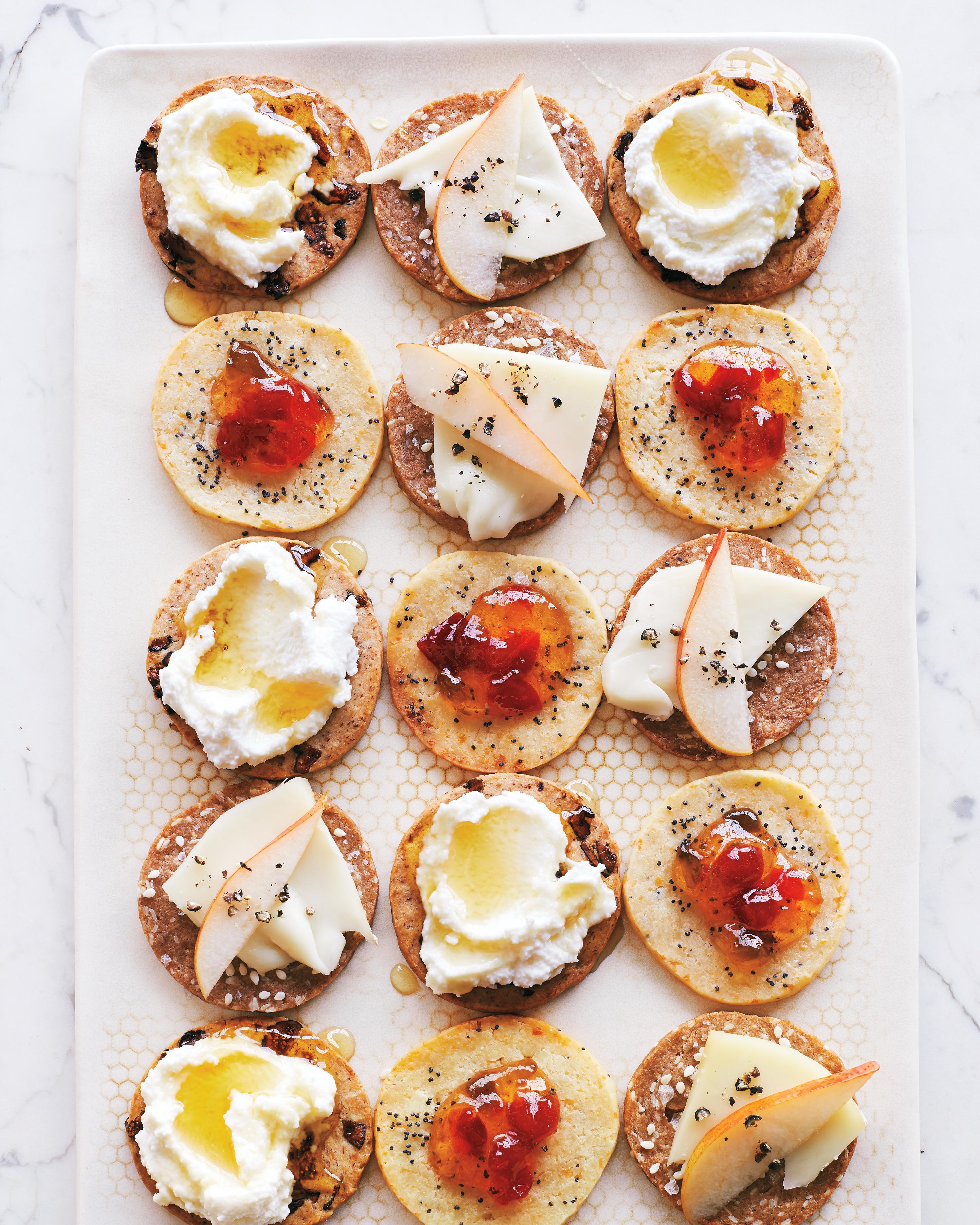 slice-bake-crackers-3746-d111531.jpg