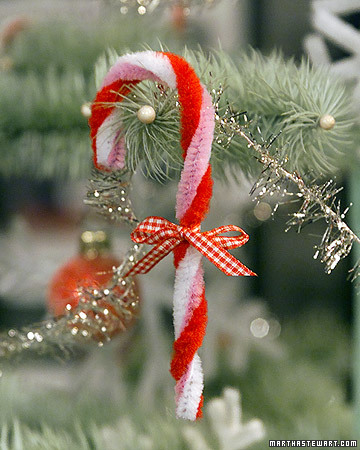 Pipe cleaner ornaments martha stewart for Pipe cleaner christmas crafts