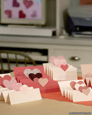 accordion valentine step by step diy craft how to s and instructions martha stewart. Black Bedroom Furniture Sets. Home Design Ideas