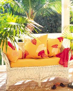 msl_sum00_couch.jpg