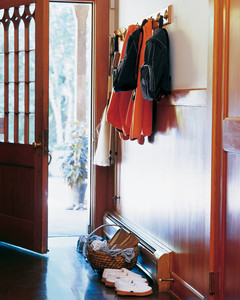 slippers-mla103516.jpg