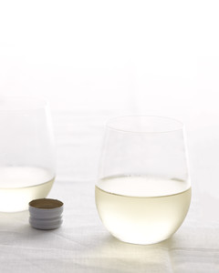 wine-glass-mld108685.jpg
