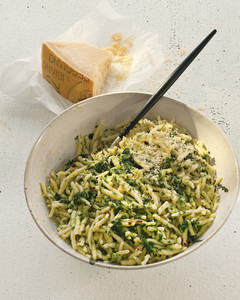 pasta-pesto-mld107996.jpg
