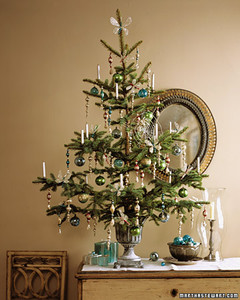 Charmant Tabletop Trees: Tinsel Tree