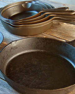 mh_1059_cast_iron_pans.jpg