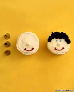 ka101247_sp05_cupcakes2.jpg