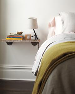 nightstand-032-md109033.jpg